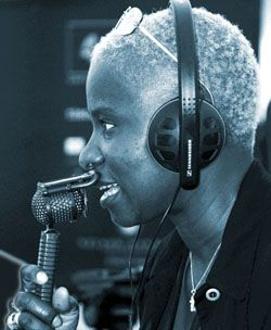 Angelique Kidjo (c) S. Gordon 2003